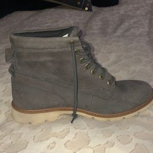 Size 7.5 woman's grey timberlands